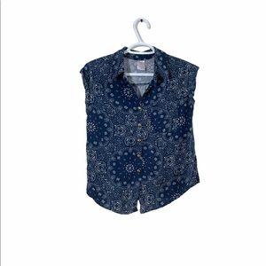 Noi Boi Bandana Button down short sleeve top